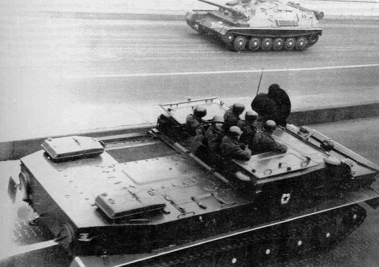 БТР-50ПК возвращается с парада на Красной площади