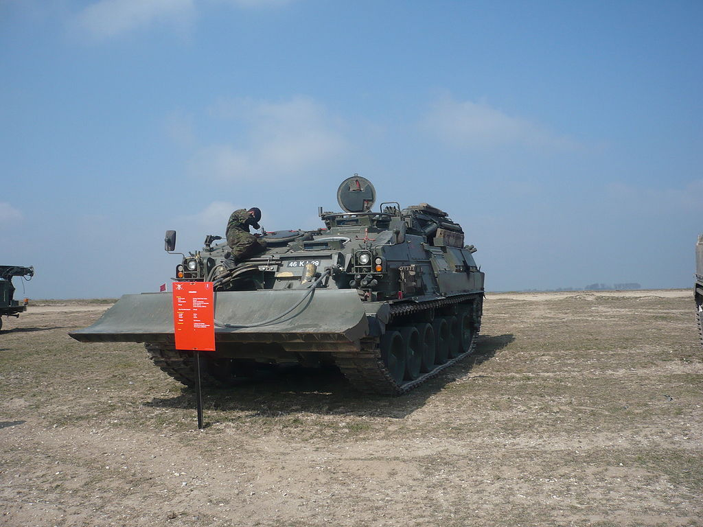 1024px Challenger Armoured Repair and Recovery Vehicle CRARRV