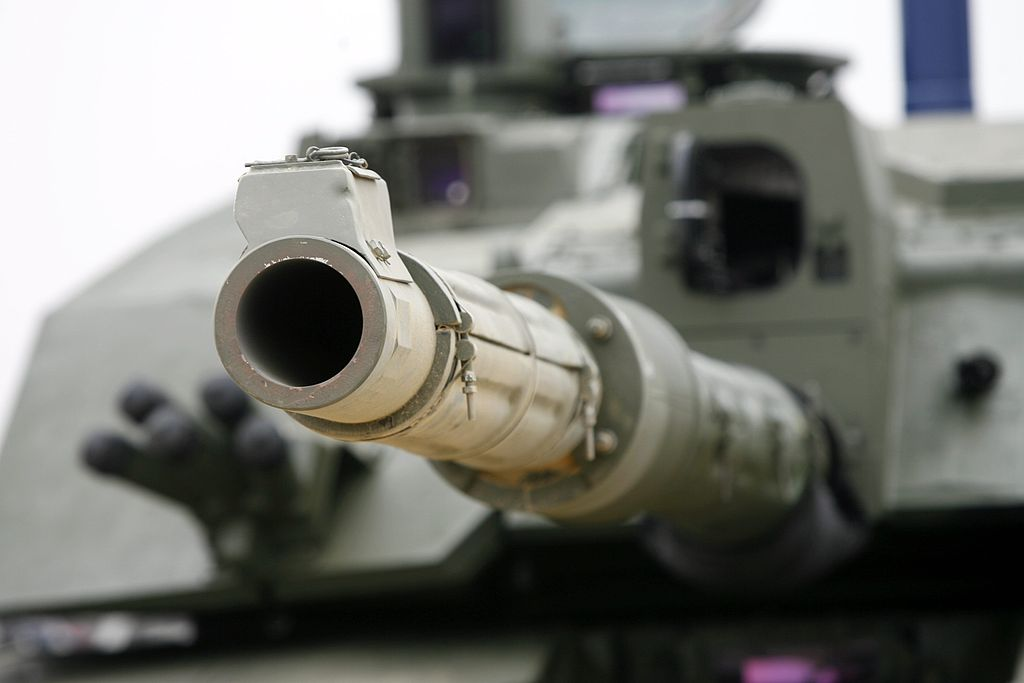 Challenger II fitted with 120 mm smoothbore gun for trials