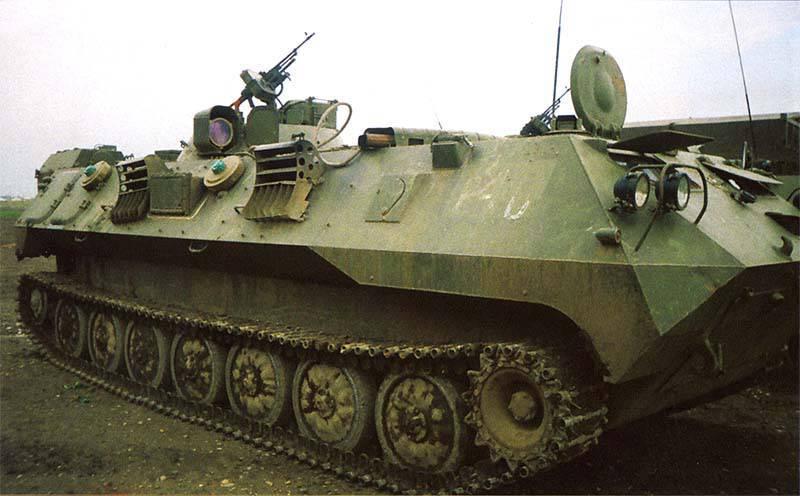 Машина управления артиллерии 1В14М. Вооружена пулеметом ПКМБ