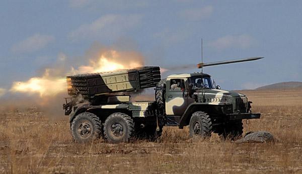 """Окупанти на Донбасі розмістили десятки """"Градів"""" поза лініями відведення"""