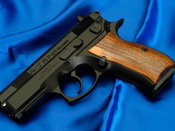 CZ-75 P01 — пистолет