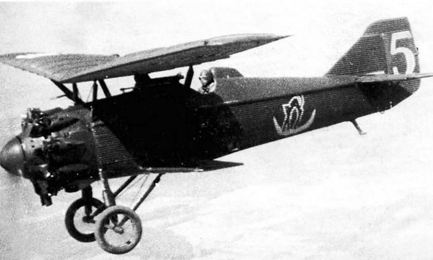 И-4 (АНТ-5) - советский одноместный истребитель-полутораплан