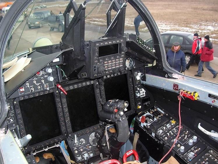 Кабина пилота МиГ-35