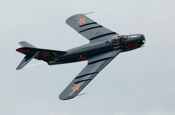 Истребитель МиГ-17