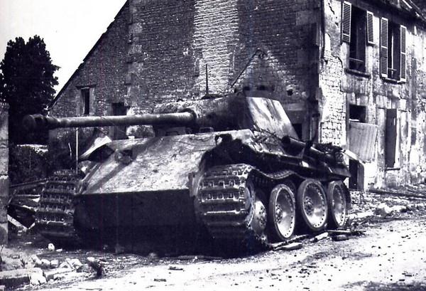 """Pz.Kpfw.V """"Panther"""" (""""Пантера"""") - основной танк вермахта"""