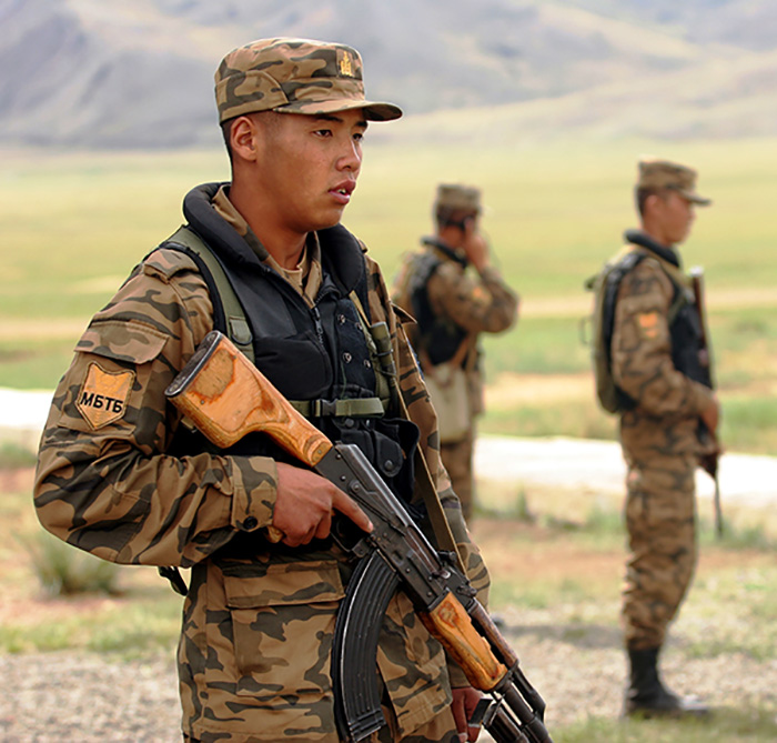 http://oruzhie.info/images/stories/rpk-kalibr-7-62/Mongolian_soldiers_in_2007.jpg