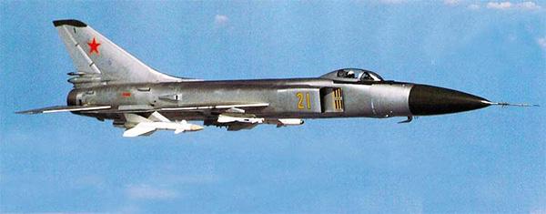 Су-15 - истребитель-перехватчик