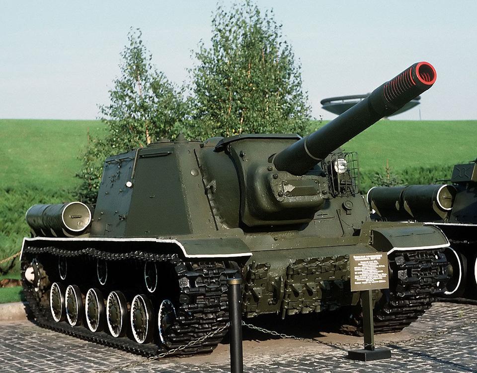 """СУ-152 """"Зверобой"""" — тяжёлая самоходно-артиллерийская установка"""