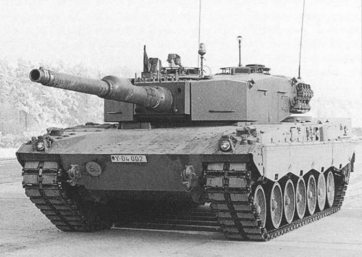 Leopard 2AV Prototype 20 with Turret number 21with 120mm cannon L / 44 Rheinmetall smoothbore